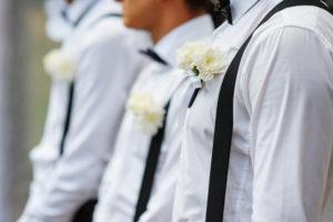 abito-sposo-bretelle