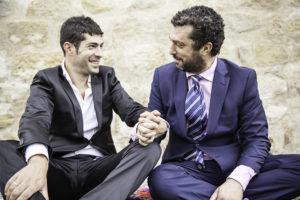 abito-sposo-due-uomini